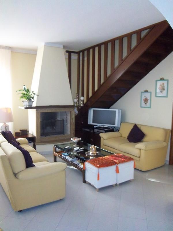 Rif n 662 villetta in vendita a san miniato for Piano casa a quattro timpani con garage
