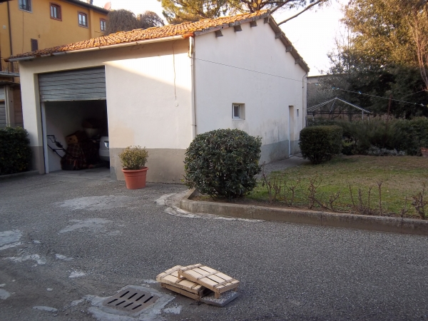 Rif n 662 villetta in vendita a san miniato for Due garage di storia in vendita